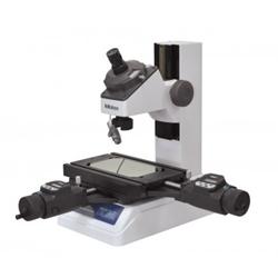 Toolmakers' microscope