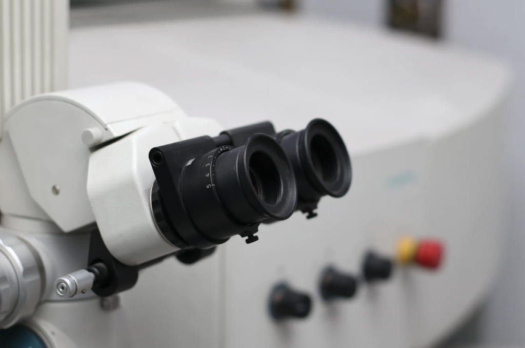 An example of refurbished microscopes